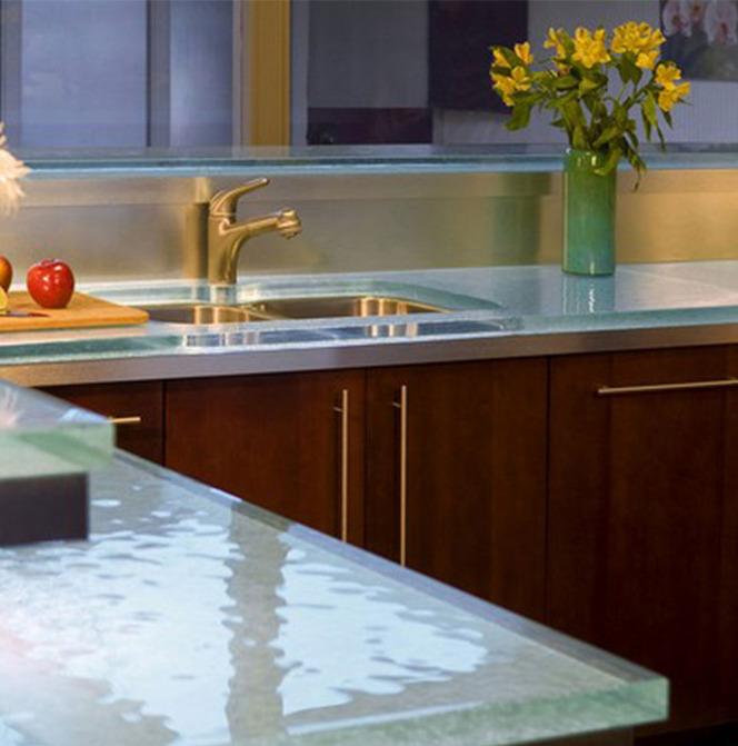 Столешница из стекла | триплекс на кухне